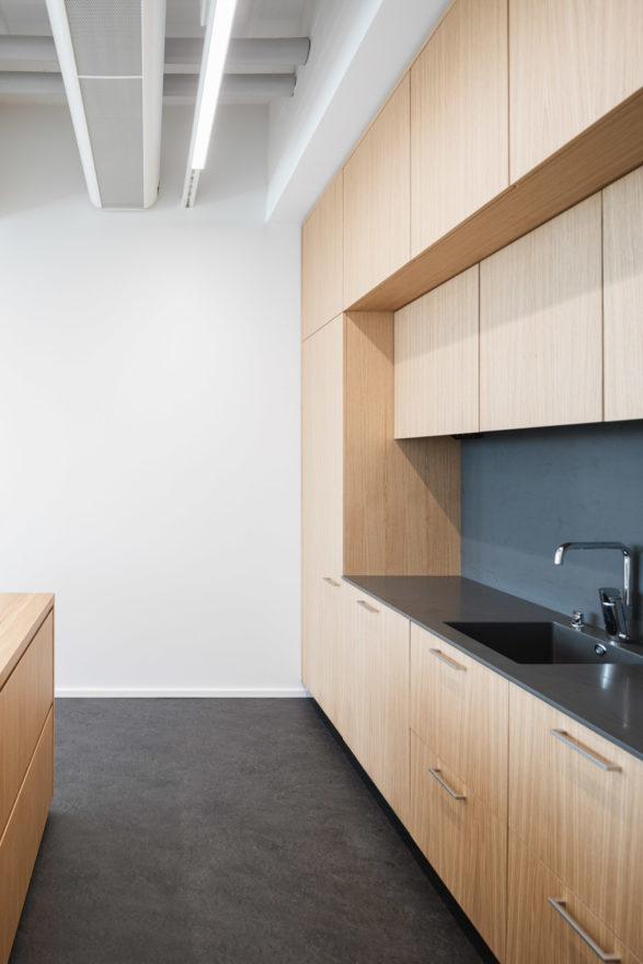 Office refurbishment by Verstas Architects